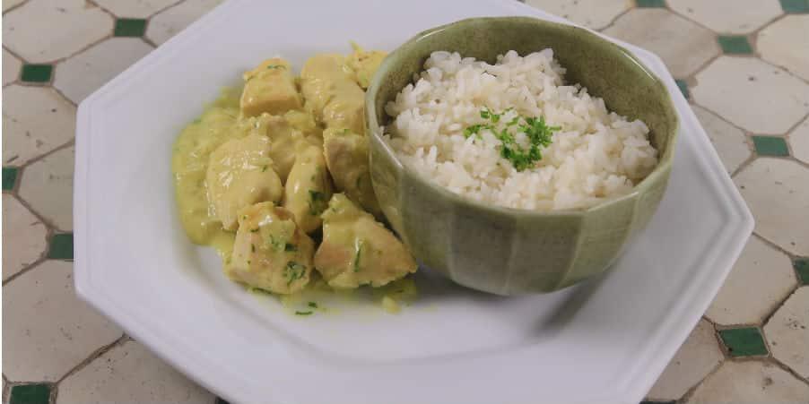 Saiba preparar uma receita de Frango ao Curry