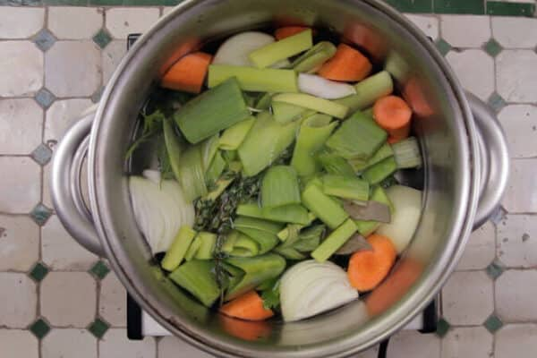 Como fazer caldo de legumes