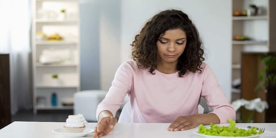 Pensando em fazer dieta na quarentena? Precisamos conversar!